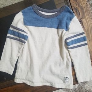 GAP LONG SLEEVE TEE - BOY - 3 YEARS